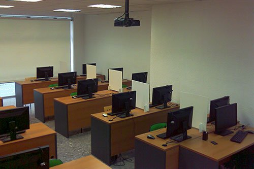 Aulas Multimedia Escuela de Arte Granada