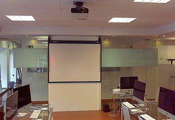 Pizarras Digitales en la Escuela de Arte en Granada